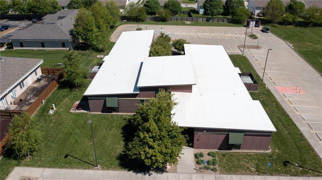 1010 Remington Plaza Drive Property Photo 6