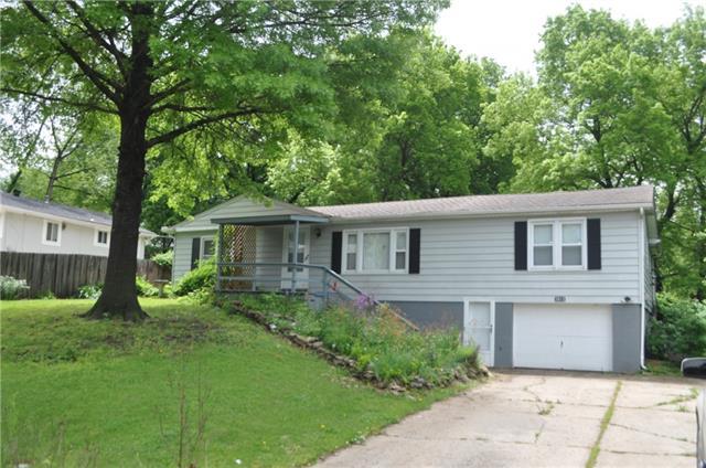 5615 Ne Barnes Avenue Property Photo 1