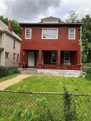 2634 E 8th Street Property Photo