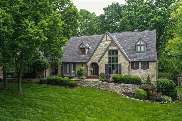 8401 Maplewood Lane Property Photo 1