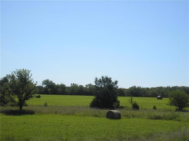 262 E 1260 Road Property Photo