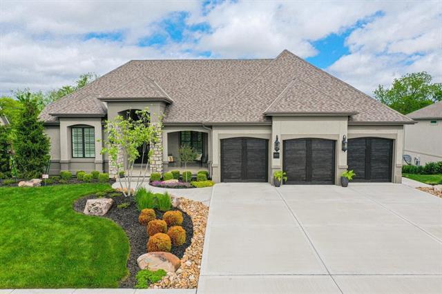 8840 N Crescent Avenue Property Photo 1