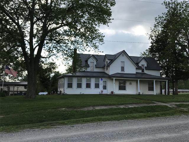 1300 S Sloan Street Property Photo