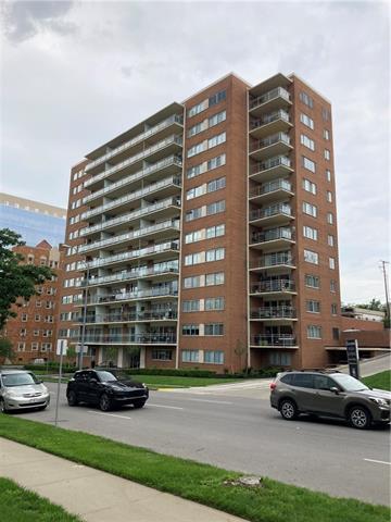 Carlton Plaza Real Estate Listings Main Image