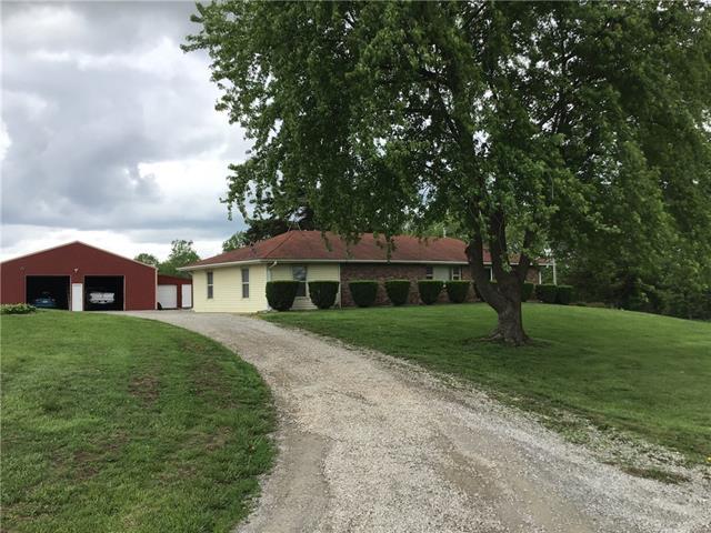 8019 Nw Sale Barn Road Property Photo