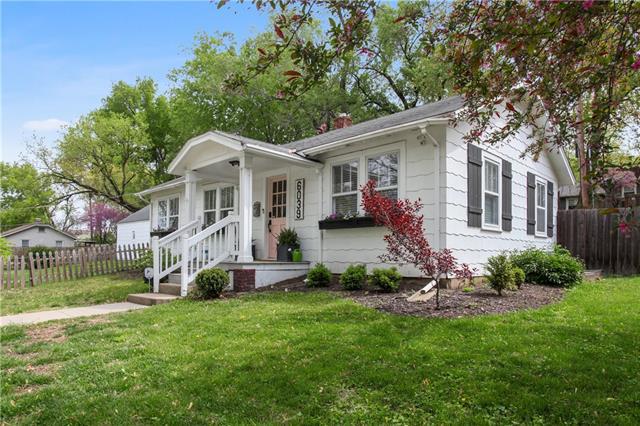 6039 Woodson Street Property Photo