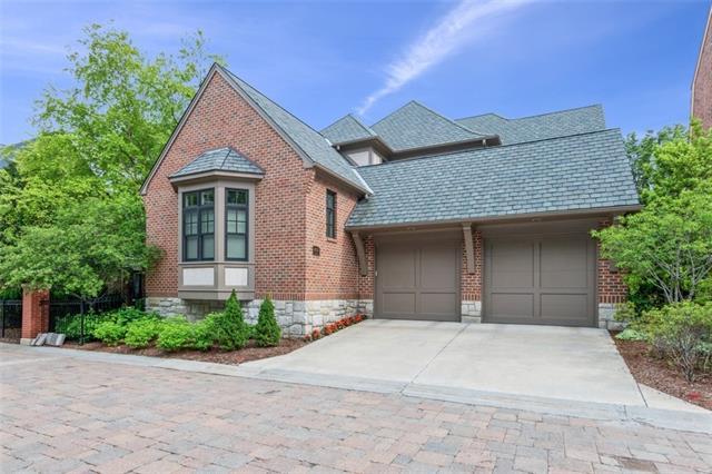 4935 Central Street Property Photo 4