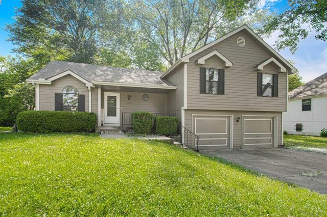 11709 Corrington Avenue Property Photo