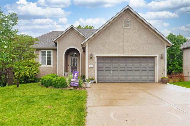 66093 Real Estate Listings Main Image