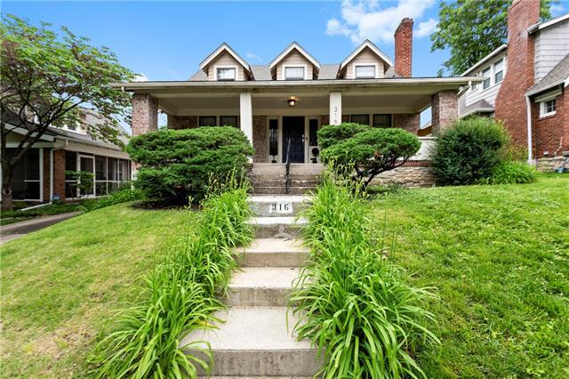 316 E 70th Street Property Photo