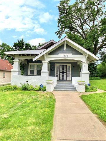 1833 Oakland Avenue Property Photo 1