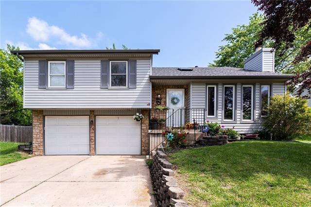 7504 Orville Avenue Property Photo