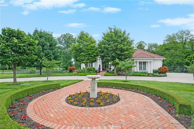 9807 N Revere Avenue Property Photo