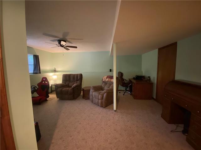 804 E 4th Street E Property Photo 15