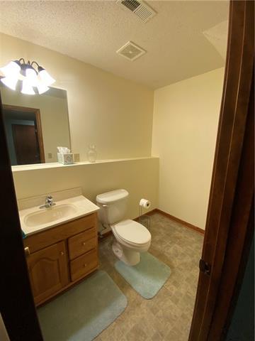804 E 4th Street E Property Photo 16