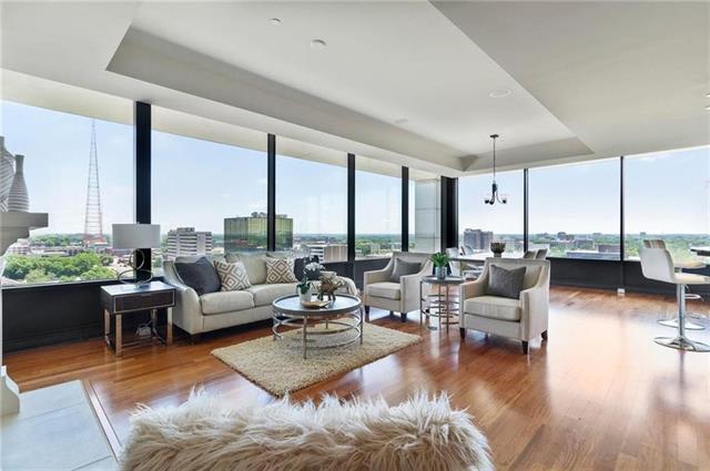 700 W 31st Street #1004 Property Photo 1