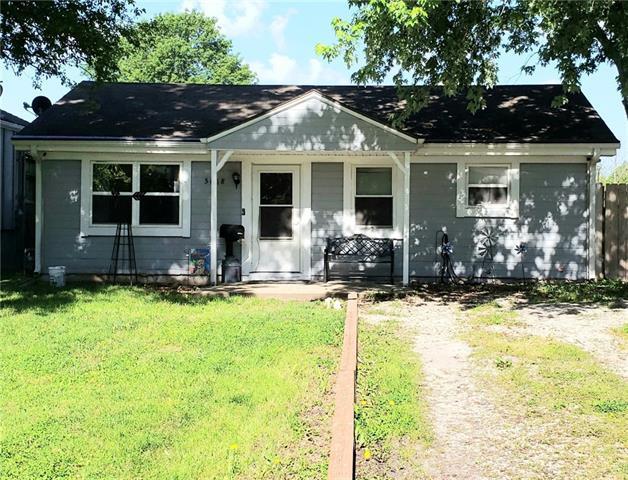 5018 N Lister Avenue Property Photo 1