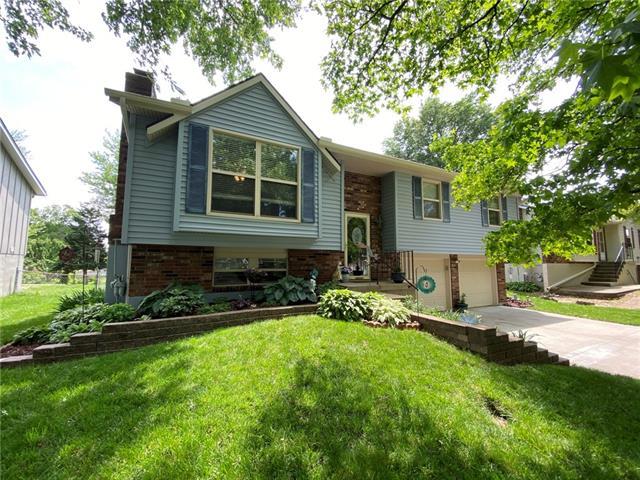 20401 E 16th Street N Property Photo