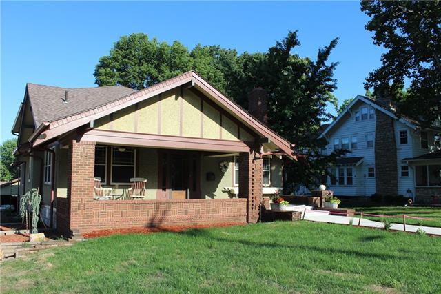 110 S Scott Avenue Property Photo