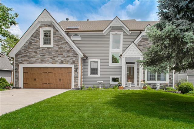 Brittany Pointe Real Estate Listings Main Image