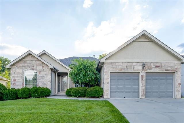 907 Oakmont Drive Property Photo