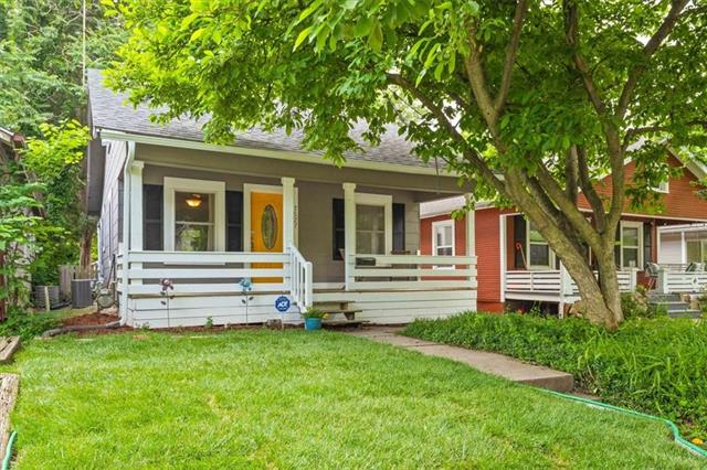 7527 Jefferson Street Property Photo
