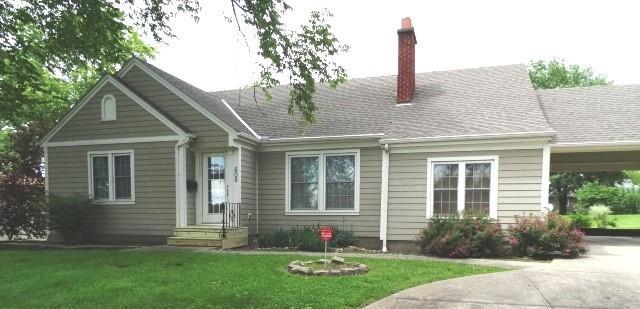 606 W Mill Street Property Photo
