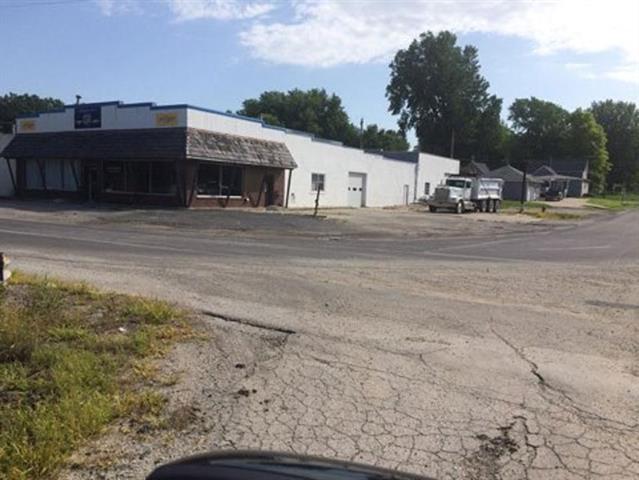 302 Nebraska Street Property Photo