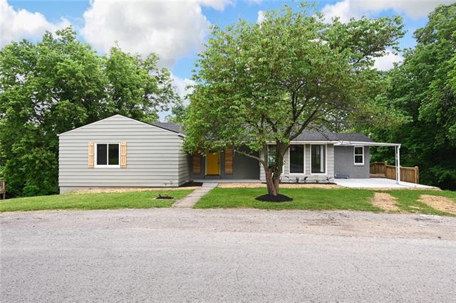 8008 Parkview Avenue Property Photo 1