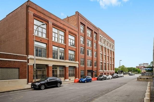 306 W 7th Street #201 Property Photo