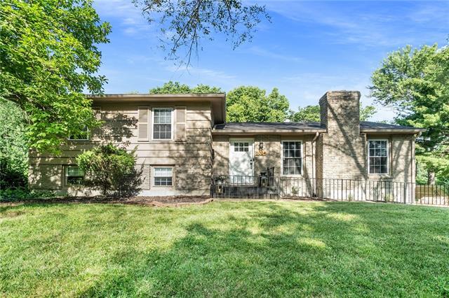6024 Laurel Avenue Property Photo 1