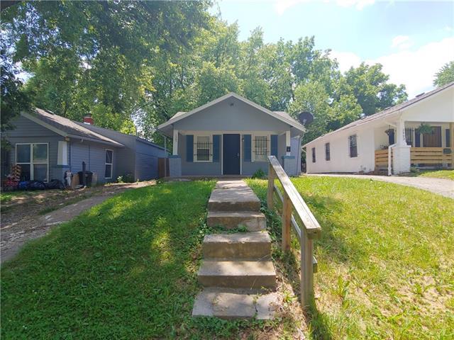 2905 E 61st Street Property Photo