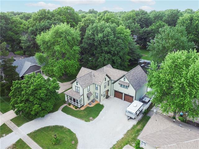 108 Ne Forest Avenue Property Photo