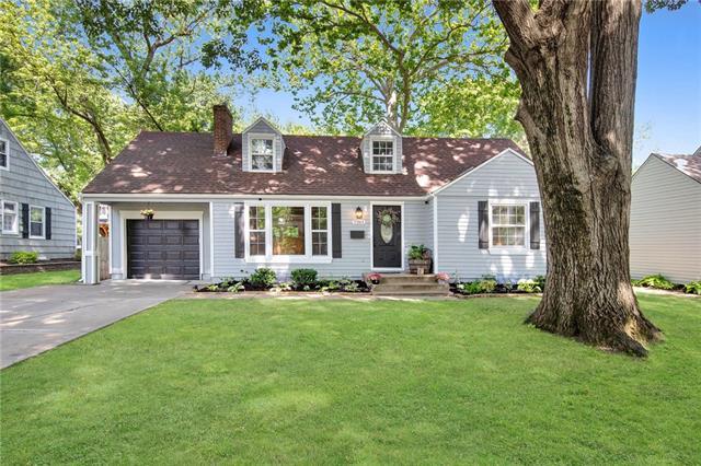 7261 Roe Avenue Property Photo 1