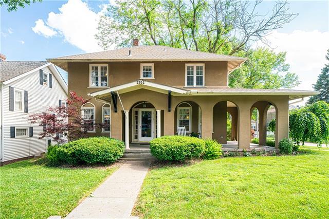 2702 Felix Street Property Photo