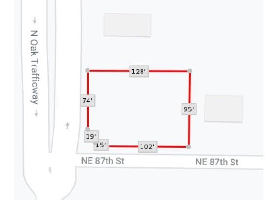 8701 N Oak Trafficway Property Photo 1