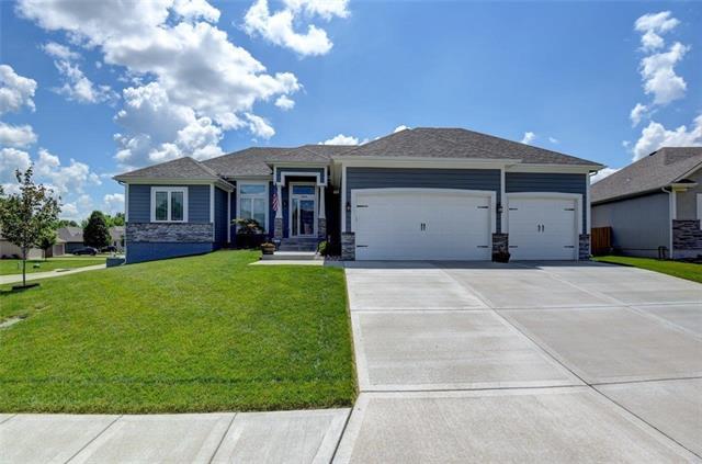 1200 N Heartland Avenue Property Photo 1
