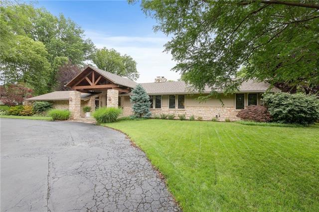 8515 Roe Avenue Property Photo