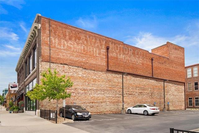 1729 Mcgee Street Property Photo 3