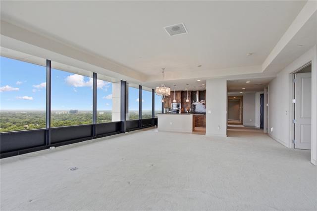 700 W 31st Street #1803 Property Photo