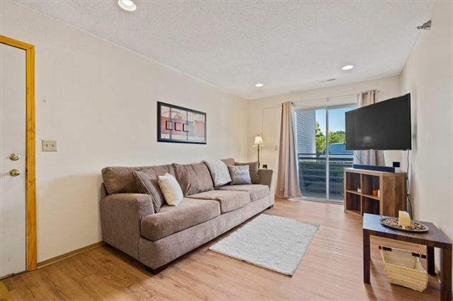 927 Emery Road #c101 Property Photo