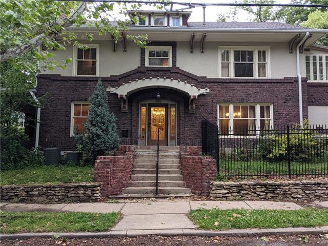 904 E 43rd Street Property Photo