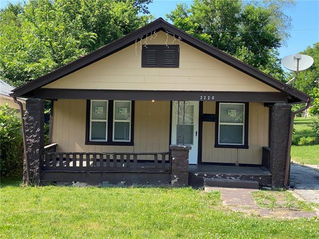 2220 Lathrop Avenue Property Photo