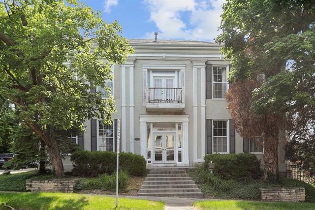 301 N Water Street Property Photo