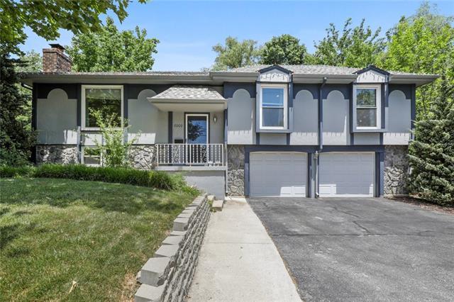 6000 W 95 Street Property Photo