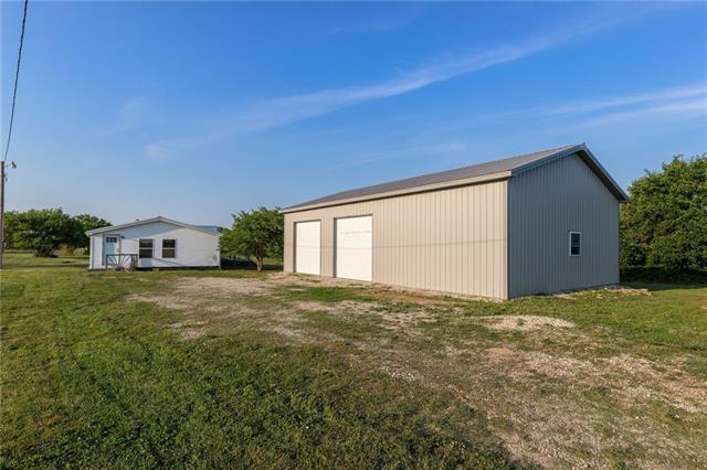 31701 Ne 1900 Road Property Photo