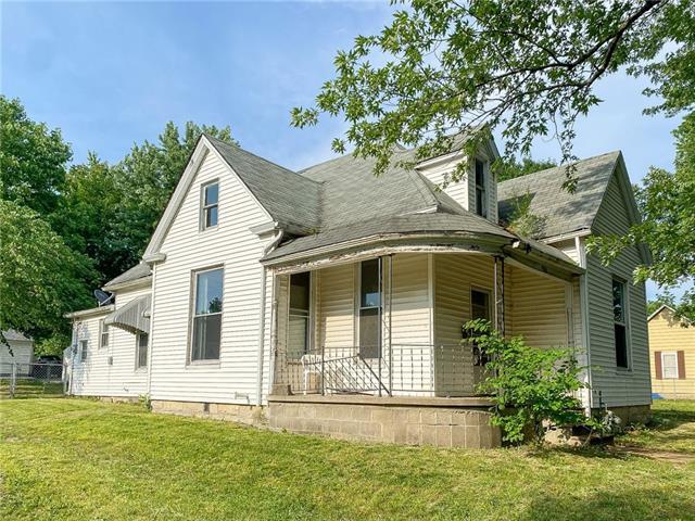 E 903 7th Street Property Photo