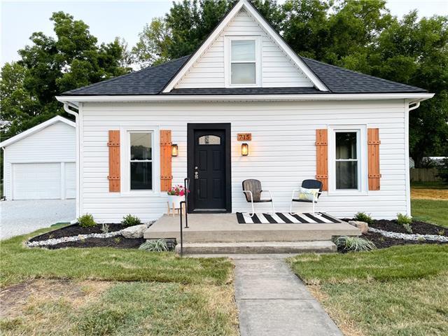 715 E Market Street Property Photo