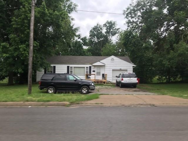 12305 E 47th Street Property Photo