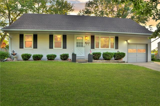 5342 N Richmond Avenue Property Photo 1